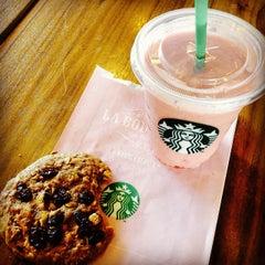 Photo taken at Starbucks by Steven M. on 8/24/2014