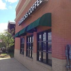 Photo taken at Starbucks by Seiichi T. on 5/23/2014