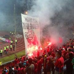 Photo taken at Stadium Negeri by Mohamad Asri H. on 2/16/2013