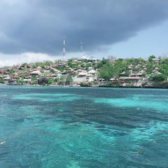 Photo taken at Bali Hai Cruises by Shinta Julia on 10/19/2012