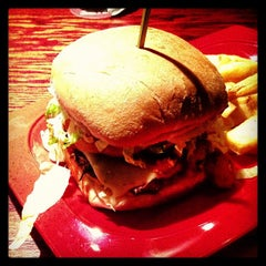Photo taken at Red Robin Gourmet Burgers by Joe G. on 1/17/2013