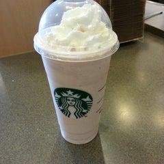 Photo taken at Starbucks by Sitia F. on 7/8/2013