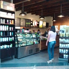Photo taken at Starbucks by Miguel Angel H. on 4/5/2013