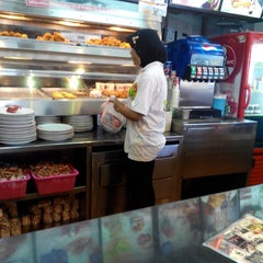 Photo taken at KFC by Ayah F. on 9/15/2013