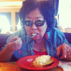 Photo taken at Polly's Pies - Norco by OC Food D. on 5/31/2015