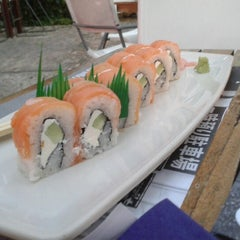 Photo taken at Sushi Itto by Juanita L. on 1/12/2013