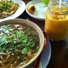 Photo taken at Bennie's Thai by Supisara C. on 11/12/2012