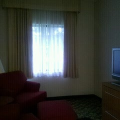 Photo taken at TownePlace Suites Detroit Warren by Alexandre S. on 10/14/2012