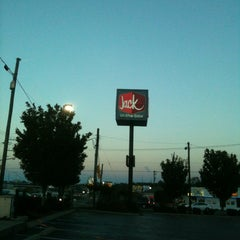 Photo taken at Jack in the Box by B.Bing &. on 10/7/2012