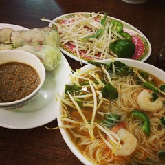 Photo taken at Pho 99 by Rachel A. on 9/13/2014