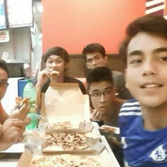 Photo taken at Domino's Pizza by Izzat S. on 5/18/2015