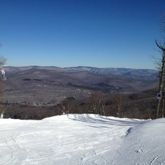Photo taken at Belleayre Mountain Ski Center by Tom L. on 2/18/2013