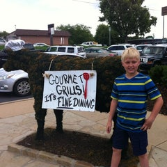 Photo taken at Chick-fil-A by Erica L. on 6/5/2014