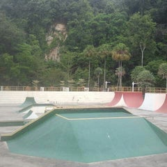 Photo taken at Youth Park Skate Park by Isco A. on 8/9/2014