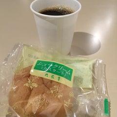 Photo taken at 六花亭 小樽運河店 by Junichi O. on 9/2/2015