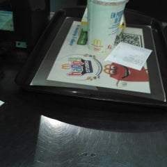 Photo taken at McDonald's by Jimmy C. on 1/25/2014