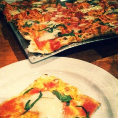 Photo taken at Joe Squared Pizza & Bar by Wendy Simmons on 10/21/2012