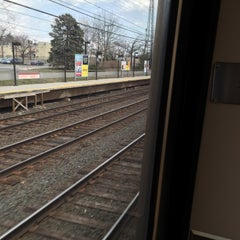 Photo taken at Metro North - Noroton Heights Train Station by Manu T. on 4/5/2015