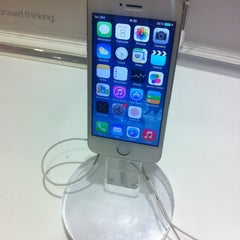 Photo taken at Emax Apple Store by Irvan e. on 12/31/2015