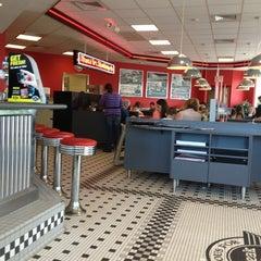 Photo taken at Steak 'n Shake by Kelly H. on 6/17/2013