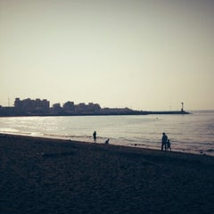 Photo taken at 이호테우해변 (Iho Taewu Beach) by yucheol o. on 9/23/2012
