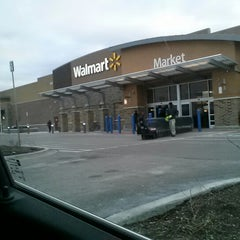 Photo taken at Walmart Supercenter by Joe S. on 2/11/2013