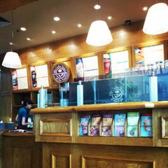 Photo taken at Coffee Bean - Indofood Tower by Henny W. on 9/18/2012
