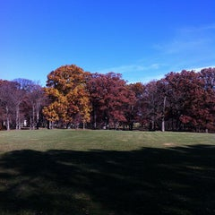 Photo taken at The Oaks Disc Golf Course by AbucadA .. on 10/21/2012