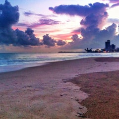 Photo taken at Isla Verde Beach - Balneario Isla Verde (La Playa) by Raul C. on 9/25/2012
