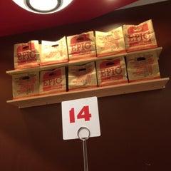 Photo taken at Epic Burger by Aّmoُon on 9/20/2012