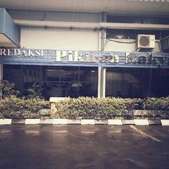 Photo taken at Redaksi Pikiran Rakyat by M. U. on 4/12/2013