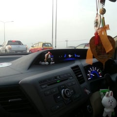 Photo taken at ทางหลวงพิเศษหมายเลข 7 (Motorway No. 7) by Jeablak R. on 4/7/2014