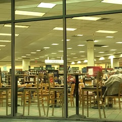 Photo taken at Barnes & Noble by Bill B. on 11/5/2015