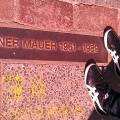 Photo taken at Baudenkmal Berliner Mauer   Berlin Wall Monument by Adela P. on 6/30/2013