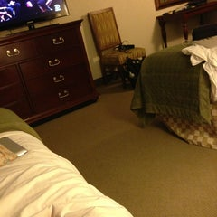 Photo taken at Embassy Suites by Hilton Nashville Airport by Yessica . on 6/13/2013