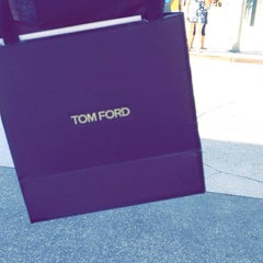 Photo taken at TOM FORD INTERNATIONAL - BEVERLY HILLS by Abdulwahab A. on 10/27/2014