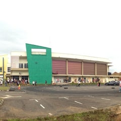 Photo taken at Kompleks Sukan Ranau by ᴄ ᴀ ᴛ ᴀ ʟ ʏ s ᴛ on 11/17/2013