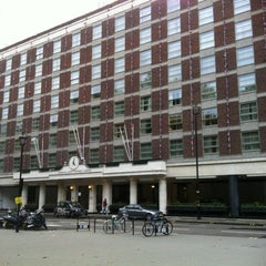Photo taken at Hyatt Regency London - The Churchill by Richard C. on 9/29/2012