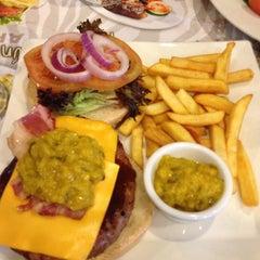 Photo taken at Mamut Restaurant by Eduardo F. on 5/25/2013