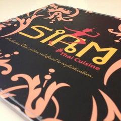 Photo taken at Siam Thai Cuisine by รคเภtz кภเﻮђt ッ. on 12/25/2012
