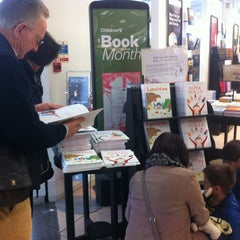 Photo taken at Waterstones by Francesca M. on 11/10/2013