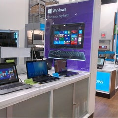 Photo taken at Best Buy by Paul G. on 1/21/2014