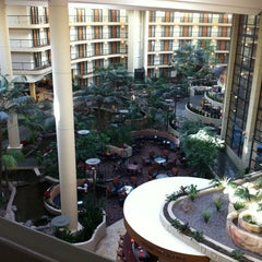 Photo taken at Embassy Suites by Hilton Phoenix Biltmore by Dustin T. on 12/4/2012