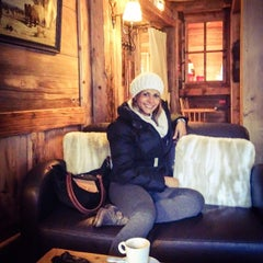 Photo taken at Au Coeur de Megève by Berena B. on 11/28/2013