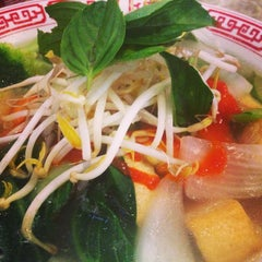 Photo taken at Pho Hoa by Brittainy T. on 6/28/2014