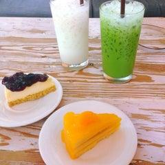 Photo taken at ESCAPE Bistro & Café by Nutchanun S. on 7/24/2015