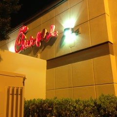 Photo taken at Chick-fil-A by SooFab on 7/12/2013