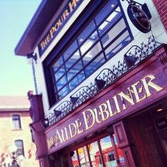 Photo taken at Aulde Dubliner by Rodrigo G. on 4/6/2013