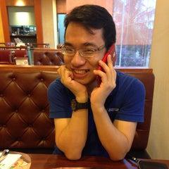 Photo taken at The Pizza Company (เดอะ พิซซ่า คอมปะนี) by Beebie B. on 5/20/2015