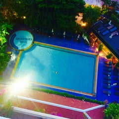 Photo taken at Golden Beach Hotel by ⓉⓞⓇⓞⓈⓐⓝⓖ on 7/31/2015